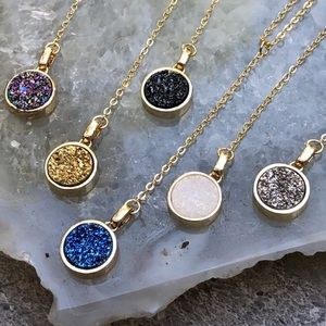Raw Druzy Crystal Lariat Necklace Gold Brand New